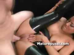 huge-ass-milf-bouncing-on-young-cock-as-old-hens-really