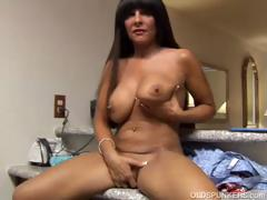 big-tits-cougar-shows-off-her-sexy-body