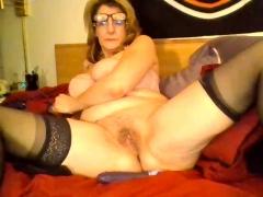 busty-granny-linda-50-years-webcam-solo