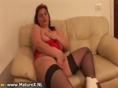 horny-mature-woman-playing-part3