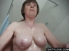 Mature Gets Snatch Washed In Shower