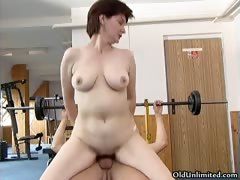 dirty-mature-woman-gets-her-horny-wet-part2