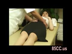 amateur-ol-seduced-by-masseur
