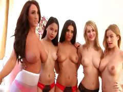 five-incredibly-hot-girls-undress-togeth