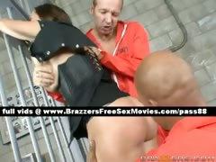 amazing-prison-guard