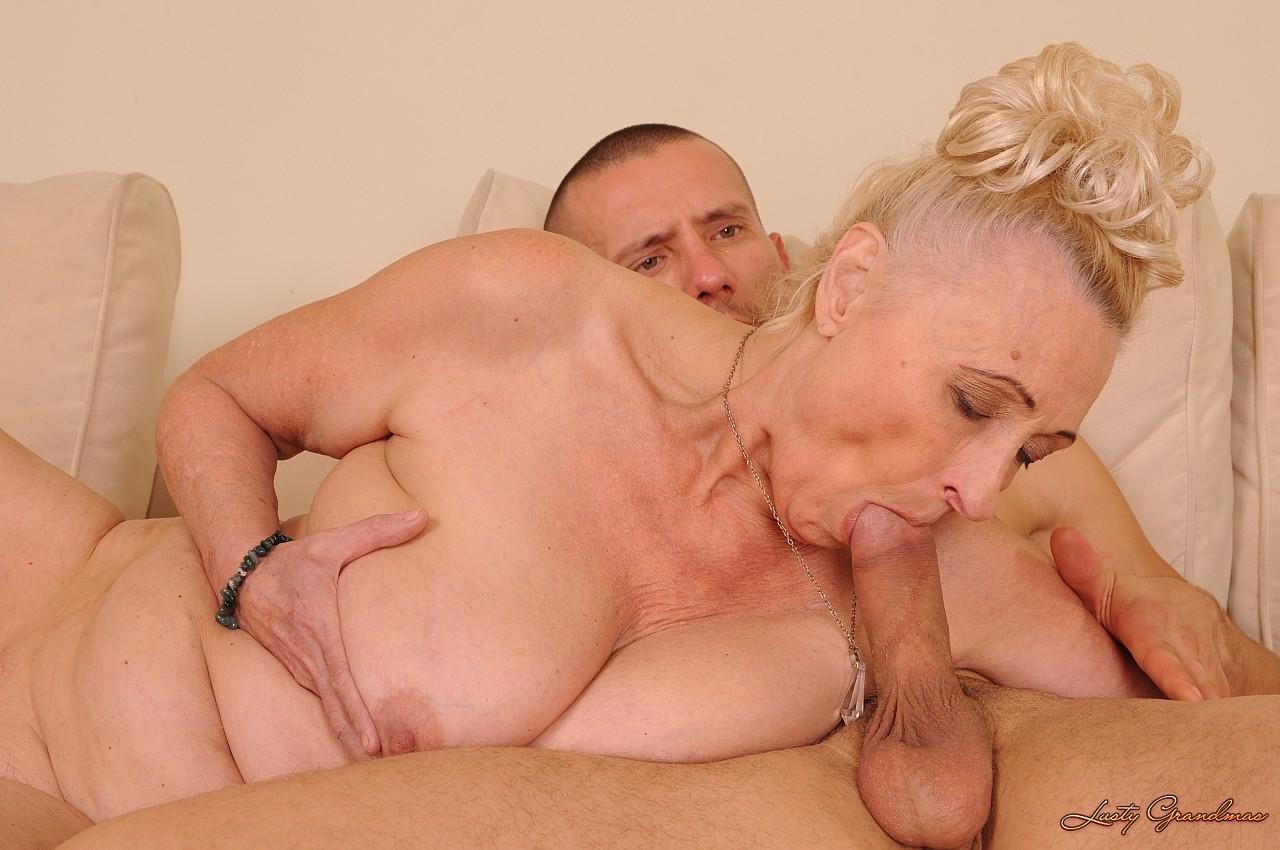порно трахнул старую бабку
