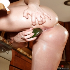 housewives try the vegetable masturbation - N