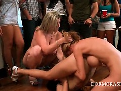Pornstars Licking And Finger Fucking Cunts At College Party
