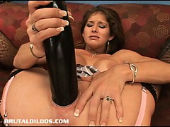 sexy babe felony fills her pussy with a huge dildo