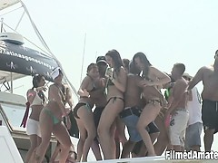 video-clip-showing-wild-amateur-chicks-partying-like-insane
