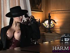 Молоко в попу порно