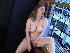 sweet-lili-masturbating-hard
