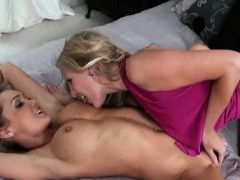slut-milfs-brianna-and-devon-spit-shining-each-other