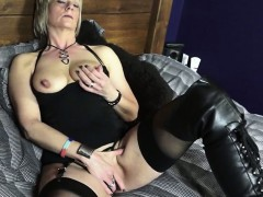 Mature British Lady in Sexy Boots Fooling Around