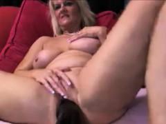 sexy-milf-fucking-a-huge-dildo-homemade