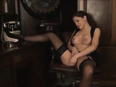 sexy-secretary-wearing-lingerie-masturbates