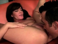 milf-bella-roxx-gets-tongued-and-nailed-by-very-gifted-thug