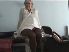Fuck my mature granny maid