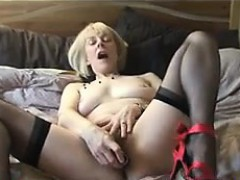 mature-blonde-woman-from-britain-strips