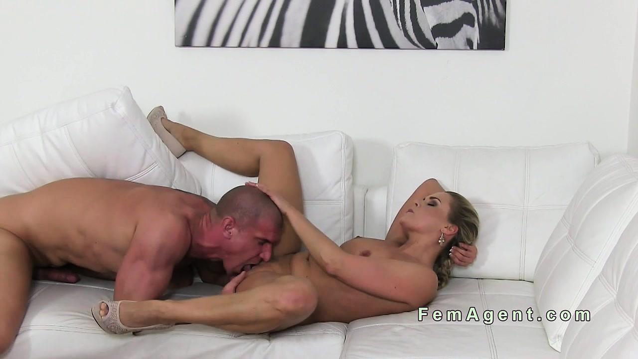 Female agent fucks muscular amateur guy tnaflix porn pics