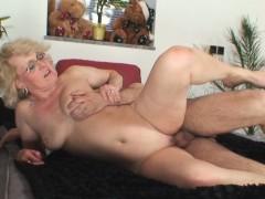 Порно ролики поцелуи лесбиянок