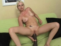 jayda diamonde gapes her ass with a huge brutal dildo
