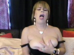 charismatic-busty-mature-playing-with-her-nice-tits