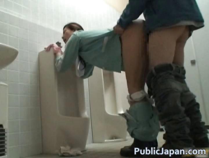 sovetskoe-film-porno-koreya-v-tualete