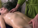 Hot Chick Gets Massaged And Fingered By Masseur