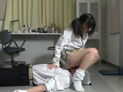 subtitled-japanese-schoolgirl-facesitting-salvation