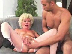 hungry-granny-pussy-pumped