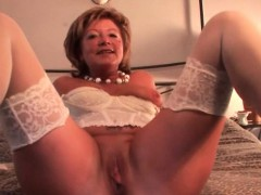 Hot Mature Masturbates With Dildo And Fingers