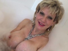 adulterous-british-milf-lady-sonia-displays-her-large-natura
