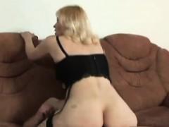 lusty-grandma-has-her-juicy-cunt-penetrated