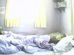 Wakes And Masturbates On Camera.