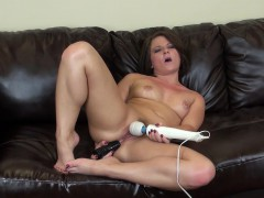 casey-cumz-reaches-the-peak-of-her-pleasure-with-the-help-of-sex-toys