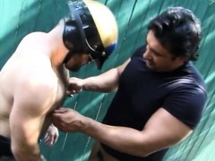 Muscled Hunk Has A Lustful Cop Blowing His Dick And Pounding His Ass