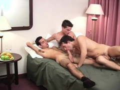 dirty-gay-tiger-enjoys-sucking-on-these-big-fat-cocks-in-this-threesome