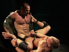 Fetish Muscly Hunk Cums