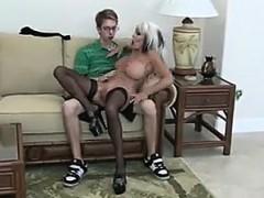 Nerd Fucks Mature Bimbo Visit Realfuck24