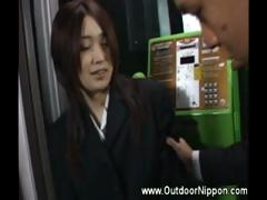 asian-girl-flashing-and-gropped-whille-driving