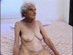 90 Years Old But Still Loves Screw Enedina