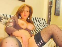 busty-milf-loves-masturbate-front-the-webcam