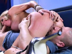 mature-hoe-parker-swayze-gets-boned-by-her-hung-colleague