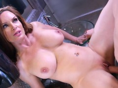 foxy-cougar-diamond-foxx-gets-fucked-and-creampied