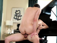 Two Gorgeous Twinks Get Naughty By Barebacking Hard