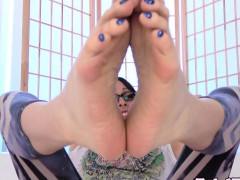 Feet Worshipping Ts Teasing With Painted Toes