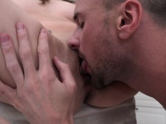 sell-your-gf-computer-guy-will-fuck-your-gf
