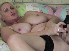 uk-mature-mommy-with-great-tities-christine-from-dates25com