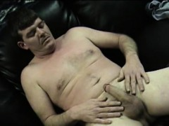 mature-amateur-dan-jerks-off